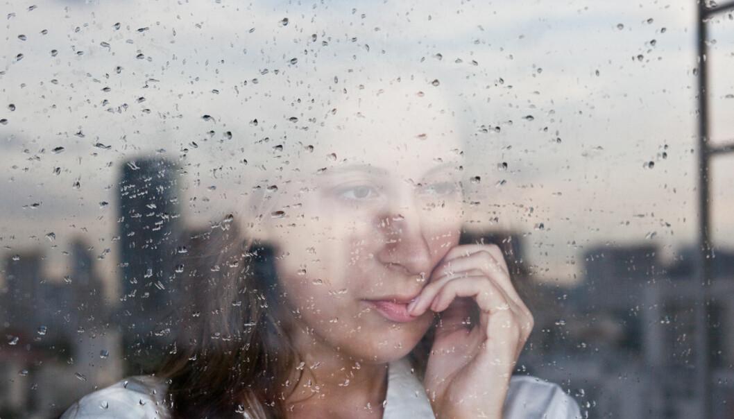 SAMMENHENG: Trekket nevrotisme kjennetegnes ved negative tanker, humørsvigninger og frykt. FOTO: NTB Scanpix