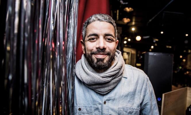 KOMIKER: Yousef Hadaoui (37) er kjent fra programmer som «Svart Humor» og «Satiriks». Foto: Christian Roth Christensen / Dagbladet