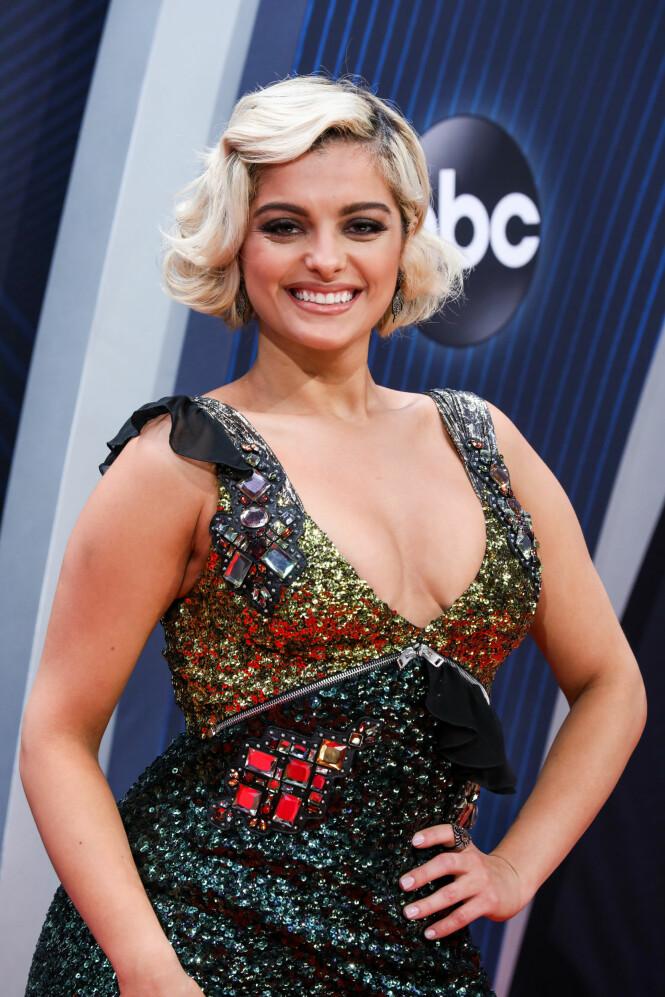 «FOR STOR»: Ifølge Bebe Rexha (bildet) er det flere designere som ikke vil kle opp henne fordi hun er en størrelse 36/38. Foto: Scanpix