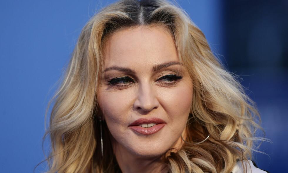 RYKTEFLOM: Popstjernen Madonna har opptil flere ganger blitt utsatt for spekulasjoner rundt plastiske operasjoner, og nå har det igjen dukket opp nok et rykte etter at 60-åringen delte et oppsiktsvekkende bilde på Instagram forrige uke. Foto: NTB scanpix
