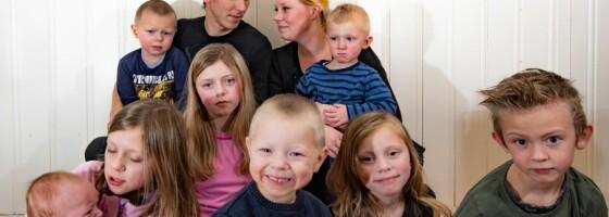Image: Wenche og Per Arne har fått åtte barn på under ti år