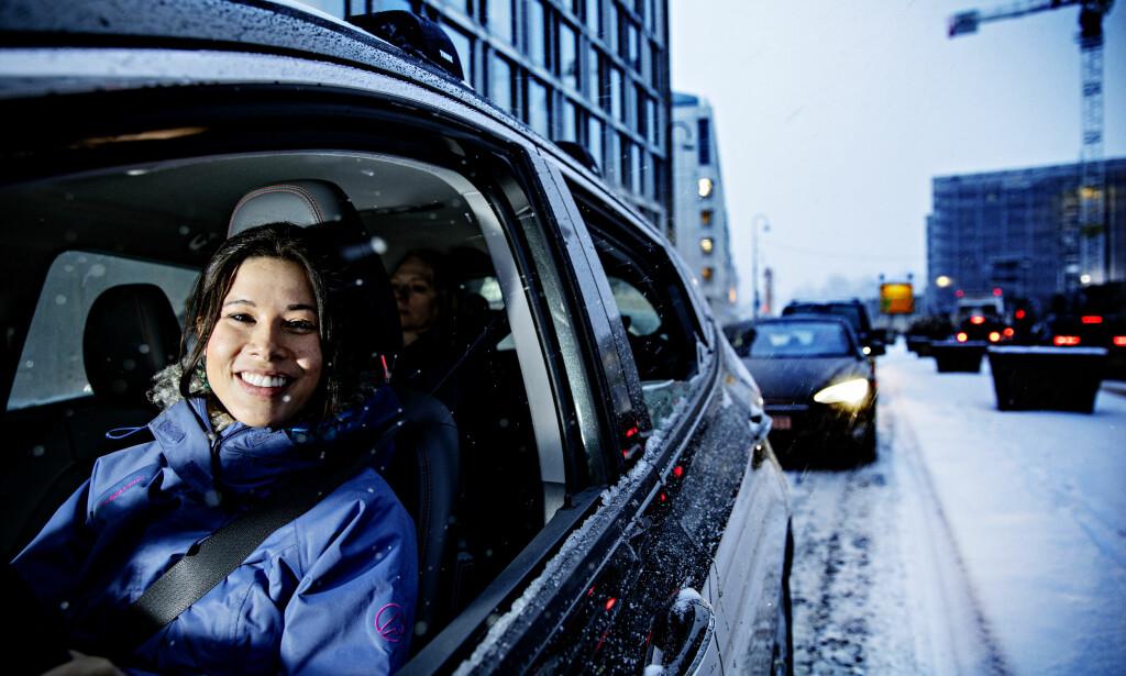 BILDELING: Lan Marie Berg skryter av fordelene med bildeling, her i en bil fra Bilkollektivet i Oslo. Får hun det som hun vil, skal en ny panteordning gjøre at flere får testet ordningen. Foto: Nina Hansen