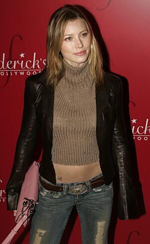 2004: Slik gikk Jessica Biel kledd under Lingerie Art auction and fashion show i Hollywood. Foto: NTB Scanpix