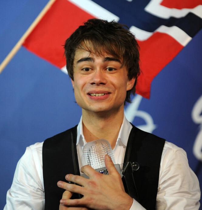 <strong>STAKK AV MED SEIEREN:</strong> Alexander Rybak gikk helt til topps med låta «Fairytale», under Melodi Grand Prix-finalen i Moskva i 2009. Foto: NTB scanpix