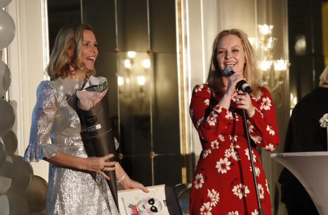 <strong>SUKSESS:</strong> Vanessa og Synnøve har stor suksess med podkasten. Her vant de pris for «Årets stjerneskudd» under Vixen i 2017. Foto: NTB scanpix