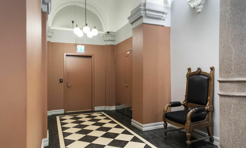 HER FORHANDLET DE: Bak disse dørene i Borgarting lagmannsrett satt juryen i saken mot Eirik Jensen. Foto: Lars Eivind Bones / Dagbladet
