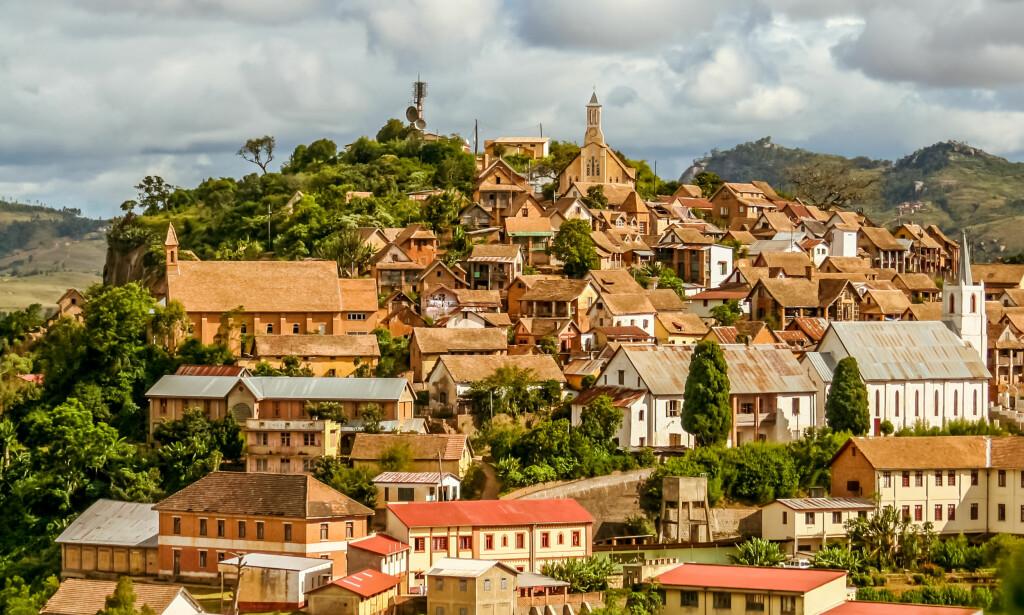 Vakker, men fattig: Gamlebyen i Fianarantsoa, Madagaskar. Byen er full av lidelse og nød. Foto: NTB scanpix
