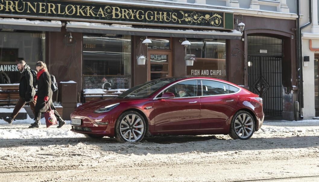 TEST: Tesla Model 3 kommer sent - men godt