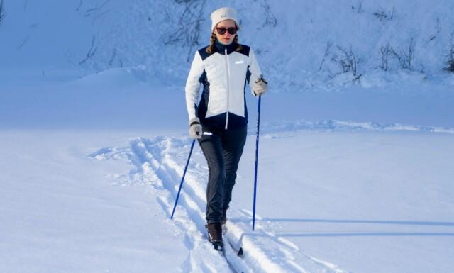 85caf79a VARMEST: Testens varmeste jakke og bukse er PowderX-settet fra Swix. Denne  dressen