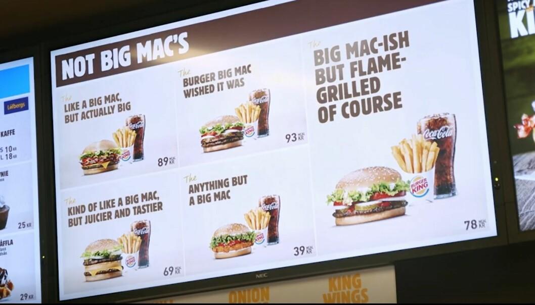 <strong>GJØR NARR:</strong> Burger King Sverige har lansert en «Not Big Mac's»-meny, etter at McDonald's mistet varemerkebeskyttelsen for «Big Mac». Foto: Skjermdump, Burger King