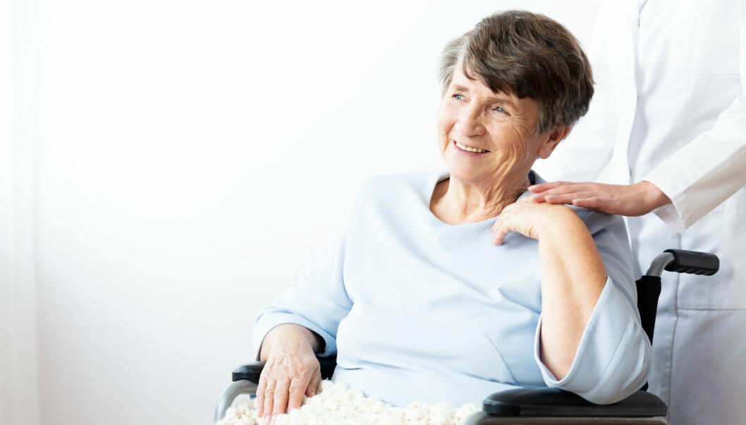 <strong>BEHOVET TELLER MEST:</strong> Det er den som trenger det mest ut fra helsesituasjonen som skal prioriteres for sykehjemsplass. Foto: NTB Scanpix