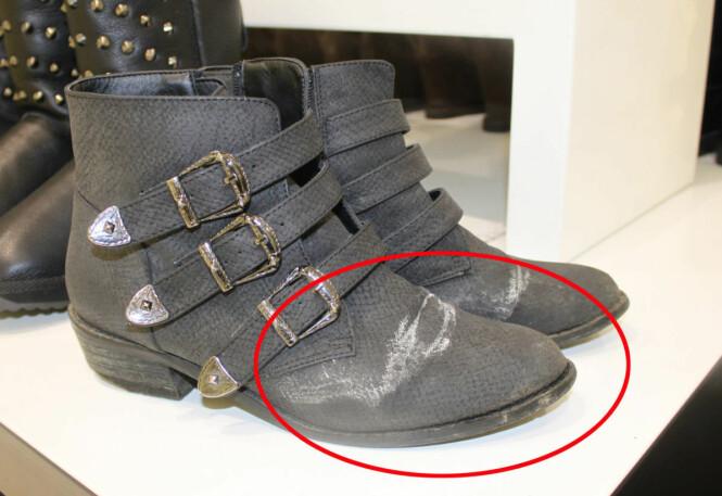 KAN FIKSES: Det er svært viktig å impregnere skoene sine, men det finnes råd for å få bort salt på skoen når skaden har skjedd. Foto: KK