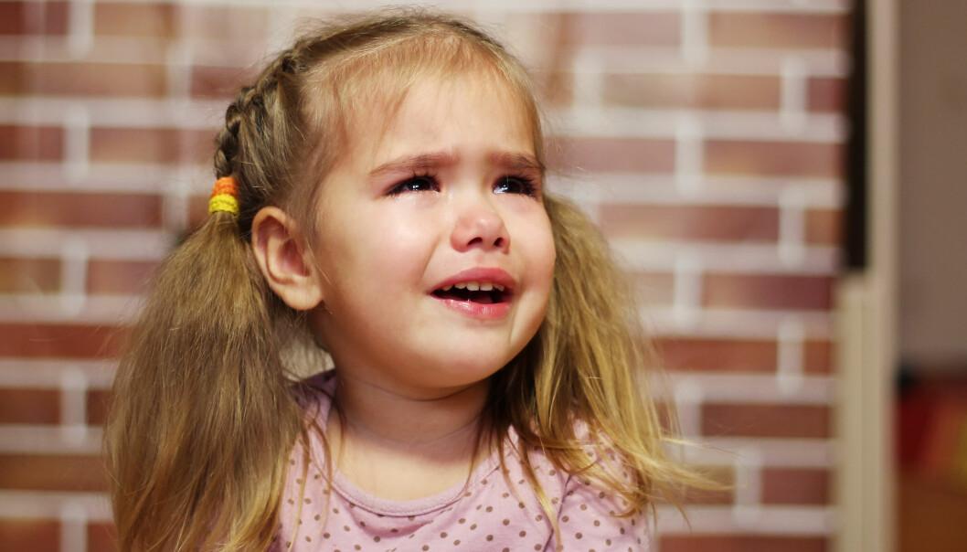REDD FOR Å FORLATE FORELDRENE: Barn kan kjenne på en frykt for å forlate foreldrene. FOTO: NTB Scanpix
