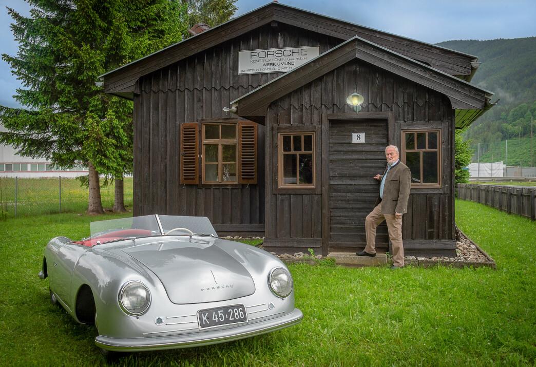 <strong>SKJULTE SKATTER:</strong> Bak disse dørene finnes en av verdens eldste Porsche-samlinger. Foto: Paal Kvamme