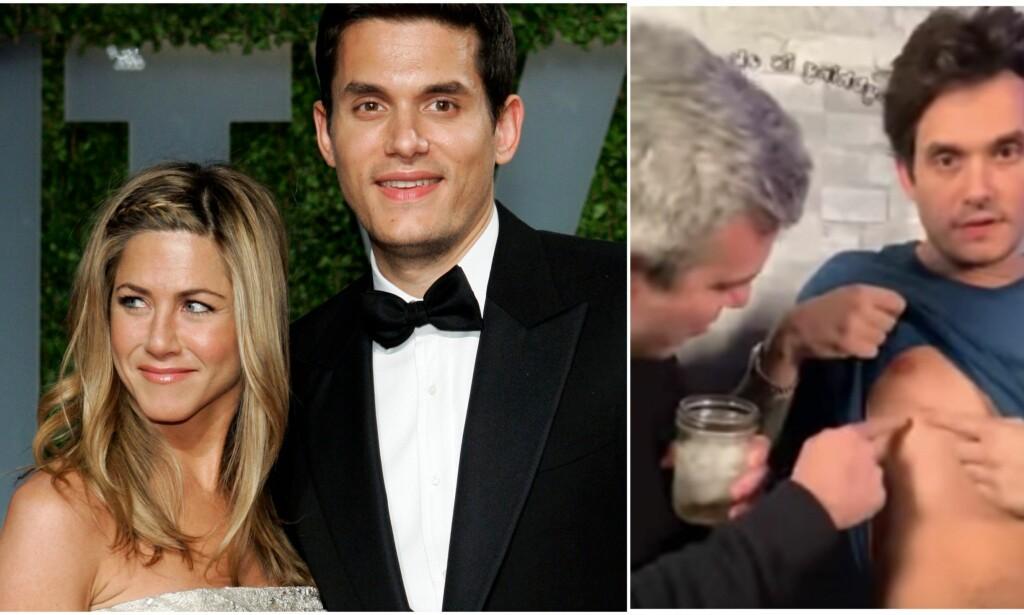 USJENERT: John Mayer har tidligere skapt overskrifter for sitt forhold med Jennifer Aniston, men nå vekker han oppsikt ved å vise frem det som skal være hans tredje brystvorte. Foto: NTB Scanpix/ Skjermdump fra YouTube