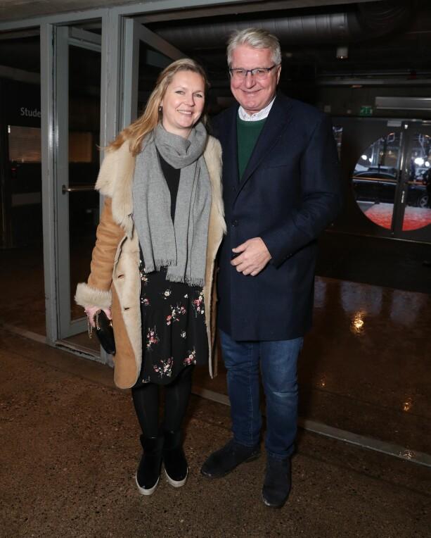 DATE: Fabian Stang og kjæresten Catharina Munthe dukket opp til kveldens forestilling. Foto: Andreas Fadum / Se og Hør