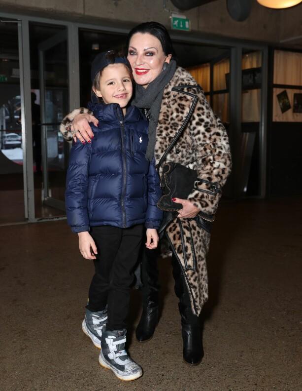 BLIDE: Lilli Bendriss hadde tatt med seg barnebarnet Leo. Foto: Andreas Fadum / Se og Hør