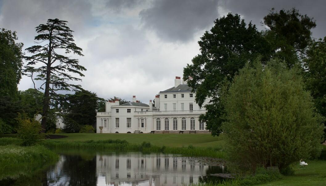 FROGMORE COTTAGE: Meghan og Harry flytter til dette huset i Windsor til våren. Frem til da skal huset pusses opp og få forbedret sikkerheten. Foto: NTB Scanpix