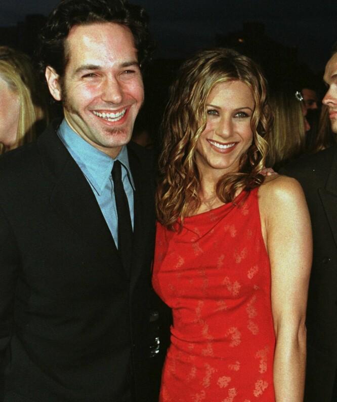 GODE VENNER: Deres kortvarige romanse i 1998 sto heldigvis ikke veien for vennskapet mellom Paul Rudd og Jennifer Aniston. FOTO: Scanpix