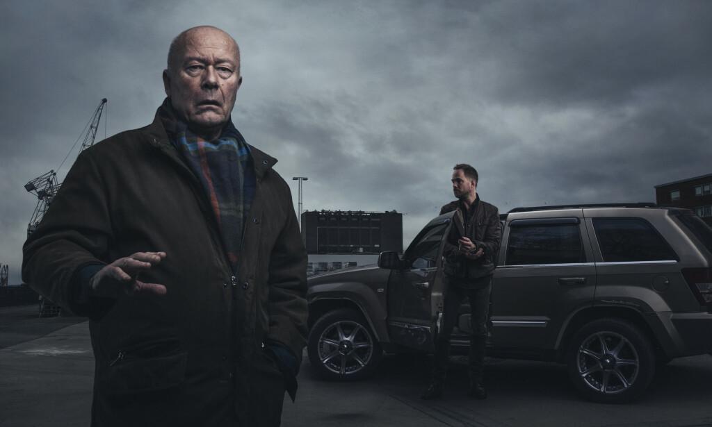SUKSESS: NRK-serien «Mammon», med blant annet Nils Ole Oftebro og Jon Øigarden, selges som konsept til andre land, og gir NRK inntekter. Foto: NRK