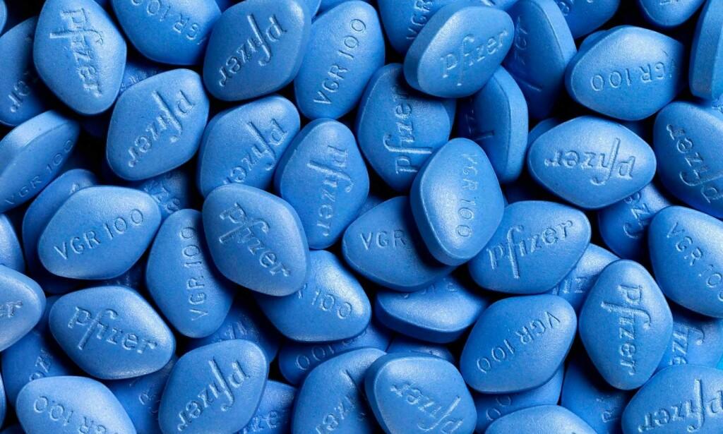 DEN FØRSTE MEDISINEN MOT IMPOTENS: Viagra var den første medisinen på markedet som hjalp ved ereksjonssvikt. Foto: NTB Scanpix/Shutterstock