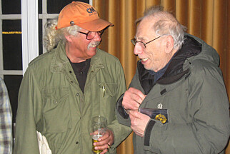 MØTTE IZZY: Da Arlo Guthrie spilte i Stockholm på vei til Oslo i 2012, møtte han Izzy Young for første gang på mange år. Guthrie vanket i Greenwich Village i New York, der Young var sentral, på slutten av 60-tallet. Foto: Øyvind Rønning / Dagbladet
