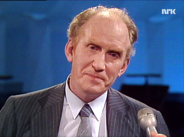 Kolbjørn Heggstad var bekymra for norsk språks framtid, om ikke datamaskinene forstod norsk. Det fikk han delvis rett i. 📸: NRK