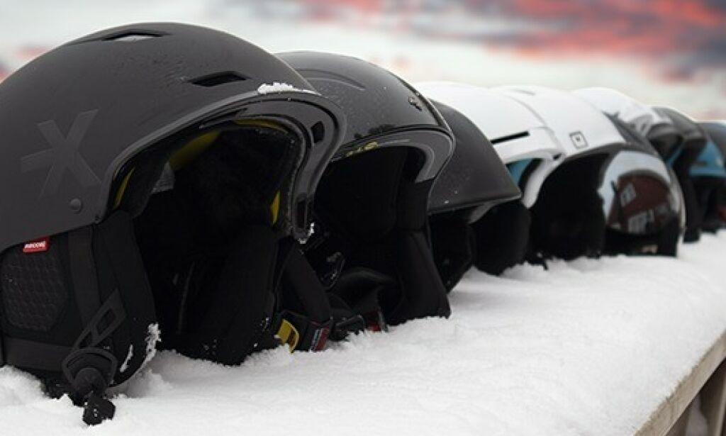 image: Halvparten av alpin-hjelmene får stryk