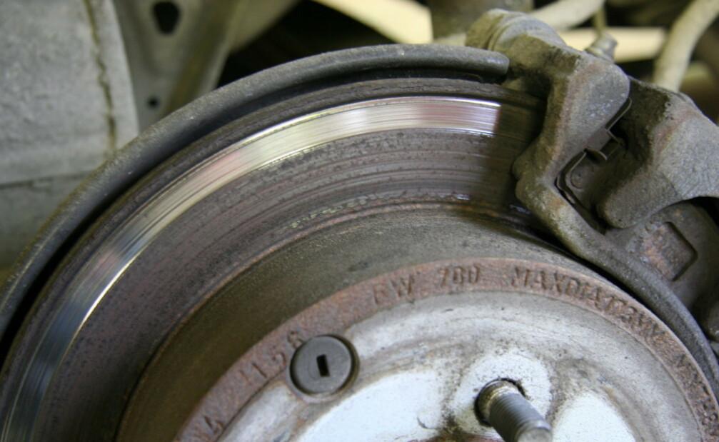 <strong>KAN MISTE VEIGREPET:</strong> Regenerativ bremsing gir strøm tilbake til bilen underkjøring, men i verste fall kan du også miste veigrepet. Foto: Rune Korsvoll