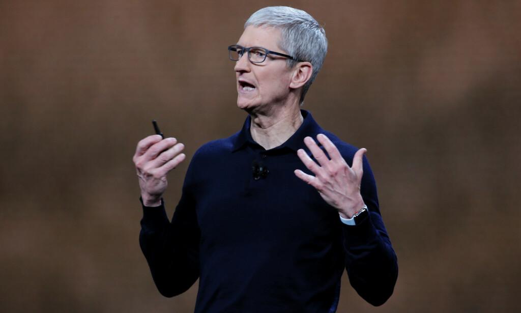 SNART STRØMMER DET PÅ: Apple-sjef Tim Cook skal avduke nye strømmetjenester i neste måned, ifølge flere medier. Foto: Elijah Nouvelage/Reuters/NTB Scanpix