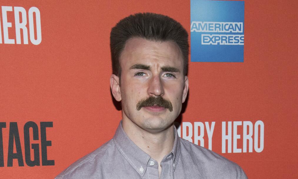 <strong>BARTEFIN:</strong> Chris Evans (37) var nødt til å vokse ut bart for en rolle på Broadway, og selv om han helst vil glemme barte-looken er det lettere sagt enn gjort. Foto: NTB Scanpix
