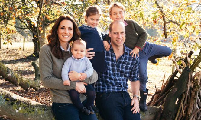FAMILIEN I SKOGEN: Hertugparet av Cambridge lever hektiske liv. Foto: Matt Porteous / Kensington Palace / NTB Scanpix