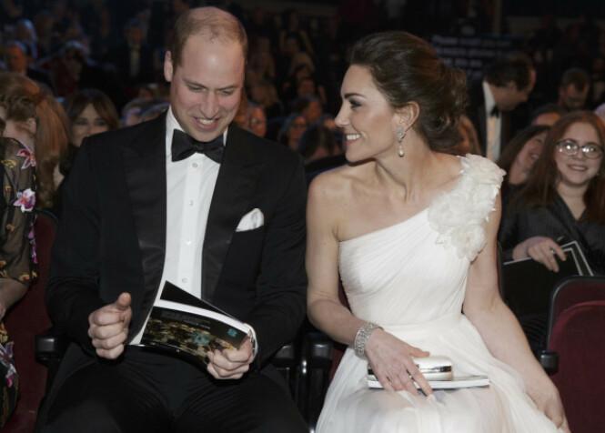 PÅ RØD LØPER: Prins William og hertuginne deltok på årets BAFTA 10. februar i år. Foto: NTB Scanpix