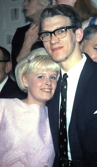 HAVNET I ULYKKE: Her er Catherine Isaacs foreldre, Jean og Phil, avbildet i 1965. Paret møttes som 17-åringer og giftet seg seks år senere. FOTO: Privat