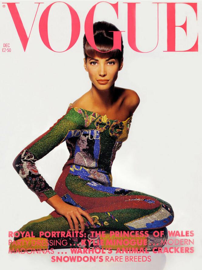<strong>STJERNE:</strong> Det er vanskelig å anslå hvor mange ganger Turlington har prydet forsiden av Vogue og andre internasjonale motebibler. Her på forsiden av amerikanske Vogue i desember 1990. Foto: Faksimile