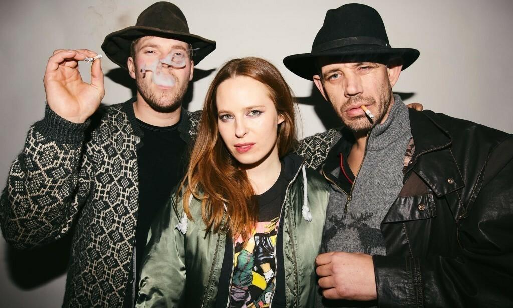 SERIESKAPER: Hildegunn Wærness skapte tv-suksessen «Fjorden Cowboys», som hadde premiere i 2014. Her sammen med Joar Førde og Leif Einar Lothe. Foto: Ragnhild Sørheim