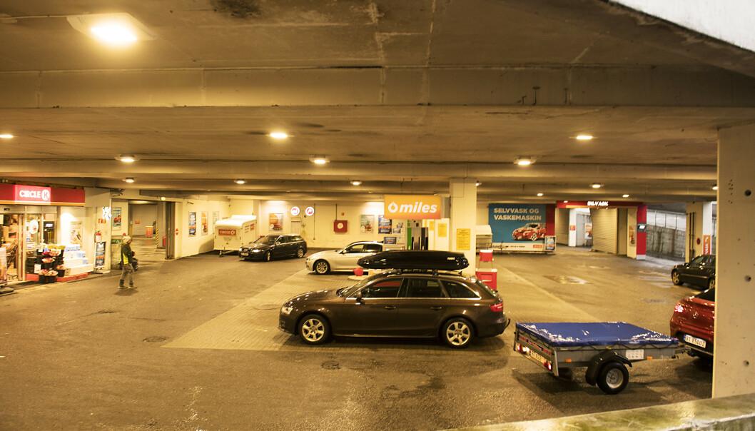 En mann er død etter å ha blitt knivstukket ved Circle K ved Danmarksplass fredag kveld. Foto: Marit Hommedal / NTB scanpix
