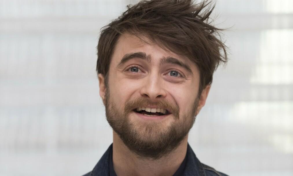 HOLDER SEG UNNA: Det er nok flere fans som har lagt merke til at Daniel Radcliffe (29) ikke er å finne på noen av de sosiale mediene. Nå forteller stjerna hvorfor. Foto: NTB Scanpix