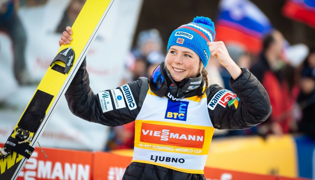 Maren Lundby kan juble for ny seier i et renn i Slovenia tidligere i februar. Foto: Jure Makovec / AFP / NTB Scanpix