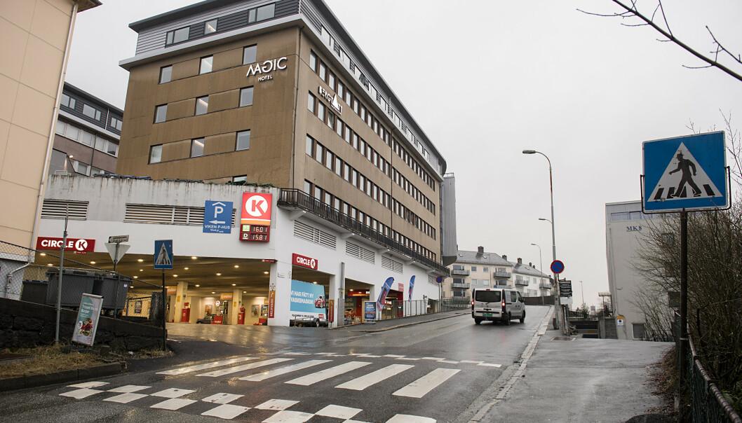 Det var på denne bensinstasjonen i Bergen at drapet fant sted fredag kveld. Foto: Marit Hommedal / NTB scanpix