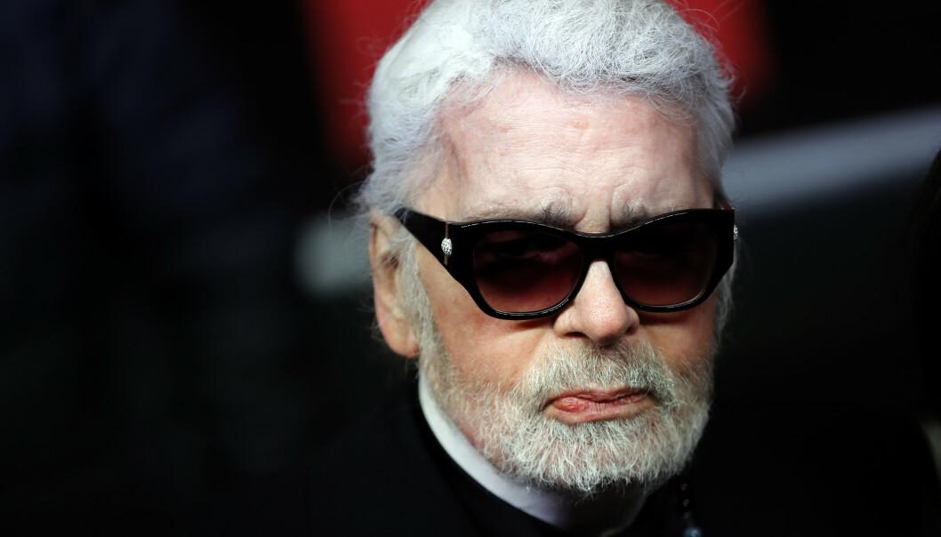 Den legendariske designeren Karl Lagerfeld døde tirsdag etter å ha hatt dårlig helse de siste ukene. FOTO: Ap