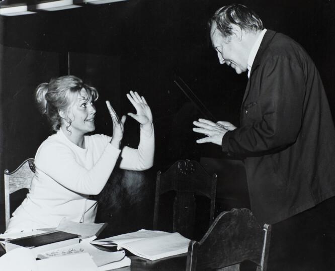 HARDARBEIDENDE SKUESPILLER: En purung Eva von Hanno under prøvene til en teaterforestilling. FOTO: Lennart Olson/privat