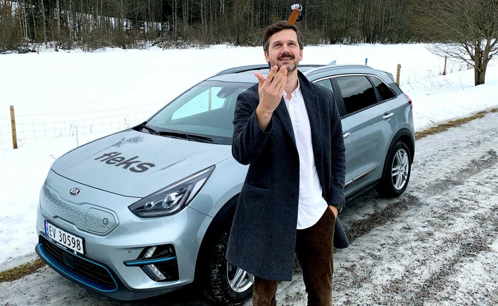 KLARE FOR TEST: Petter Kjøs Utengen er klar for å teste ut Bertel O. Steens nye bilabonnement FLEKS. Foto: Fleks