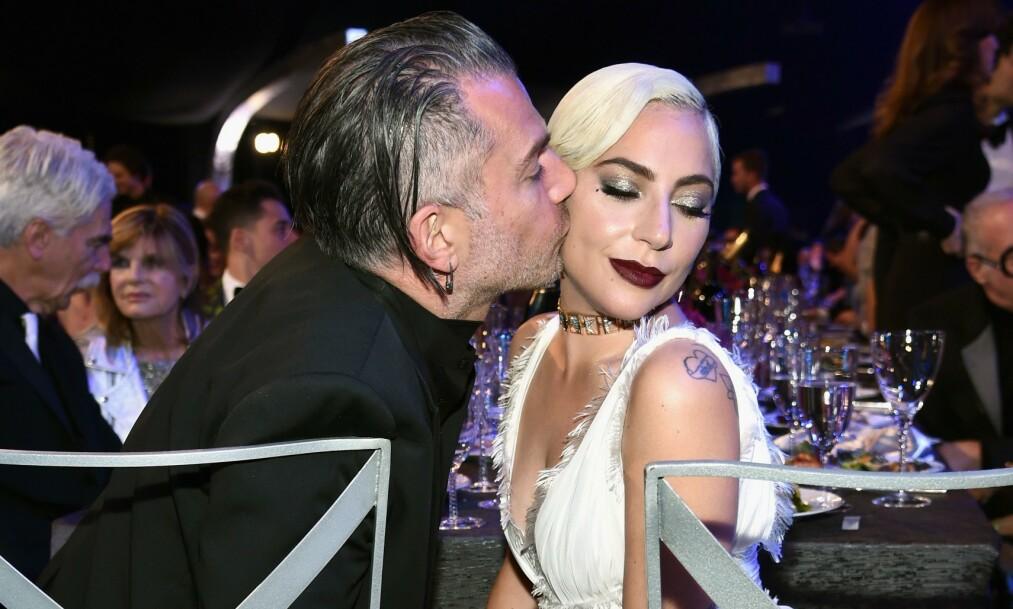 BRUDD: Lady Gaga og Christian Carino har brutt forlovelsen. Her avbildet i slutten av januar. Foto: NTB Scanpix