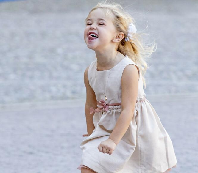 <strong>GEIPET:</strong> Prinsessen Leonore geipet og løp i sirkler, i stedet for å holde mamma i hånden. Foto: NTB Scanpix