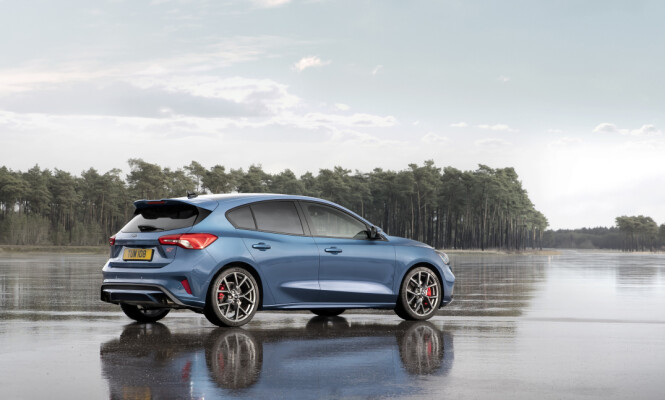 <strong>KLAR FOR ACTION:</strong> Focus ST er resolutt sportslig i designen, uten å være RS-ekstrem. Foto: Ford