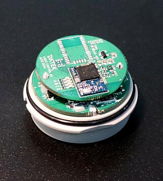 Zigbee-chippen sitter på de fleste av Datek-produktene. 📸: Jørgen Jacobsen