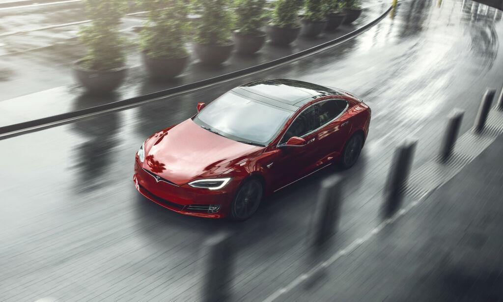 image: Ikke dekning for å si at stadig flere bytter Teslaen i ladbar hybrid