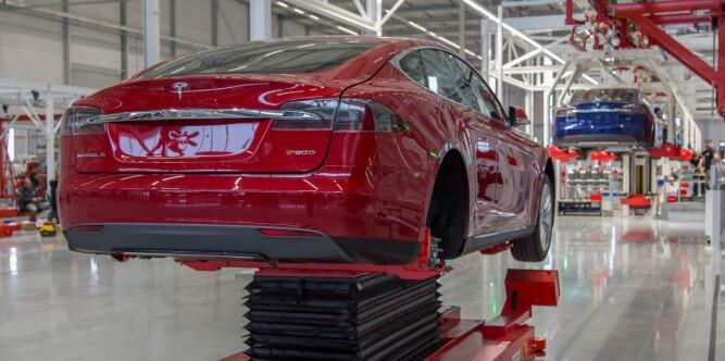Statens vegvesen i møte med Tesla om bremseproblemer