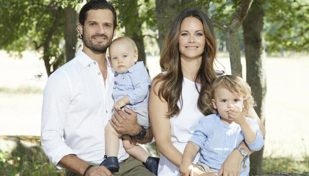 TAR EN PAUSE: Prins Carl Philip (39) tar nå en pause fra racingkarrieren, fordi han heller vil fokusere på familielivet. Foto: Anna-Lena Ahlström/ Kungahuset.se
